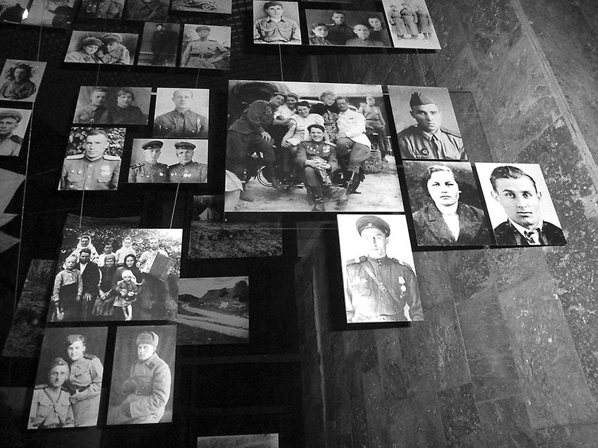 Стена памяти в Национальном музее истории Украины во Второй мировой войне